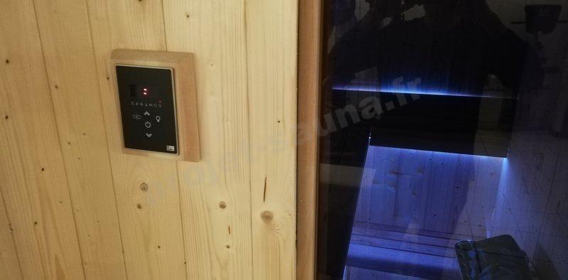 la commande de sauna déportée à l'extérieur